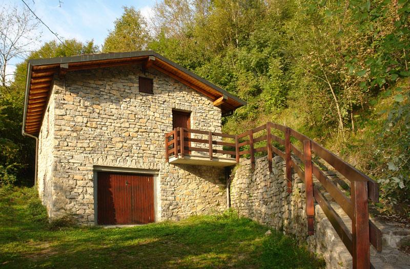 Valle brembana sentiero naturalistico per le guglie del for Le piu belle baite in montagna