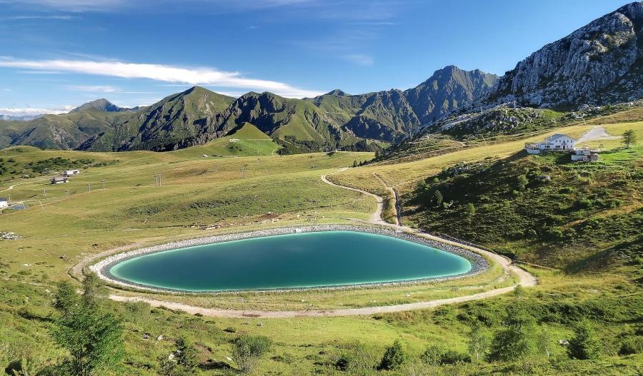 Valle brembana una montagna per tutte le stagioni cima for Piani di montagna moderni