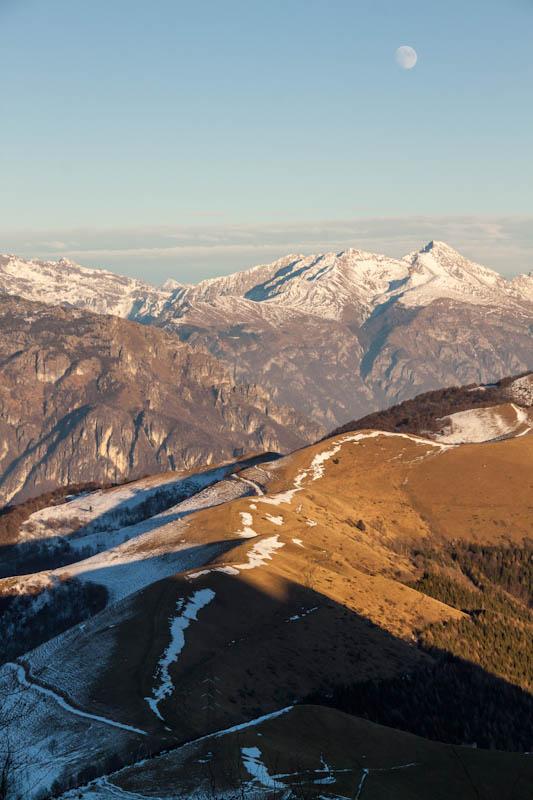 Valle brembana resegone magic sunset trekking for Rifugio resegone valle imagna