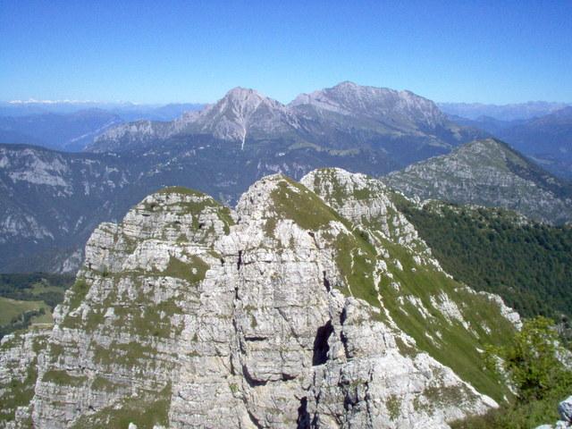 Valle brembana monte resegone 1875 metri da brumano for Rifugio resegone valle imagna