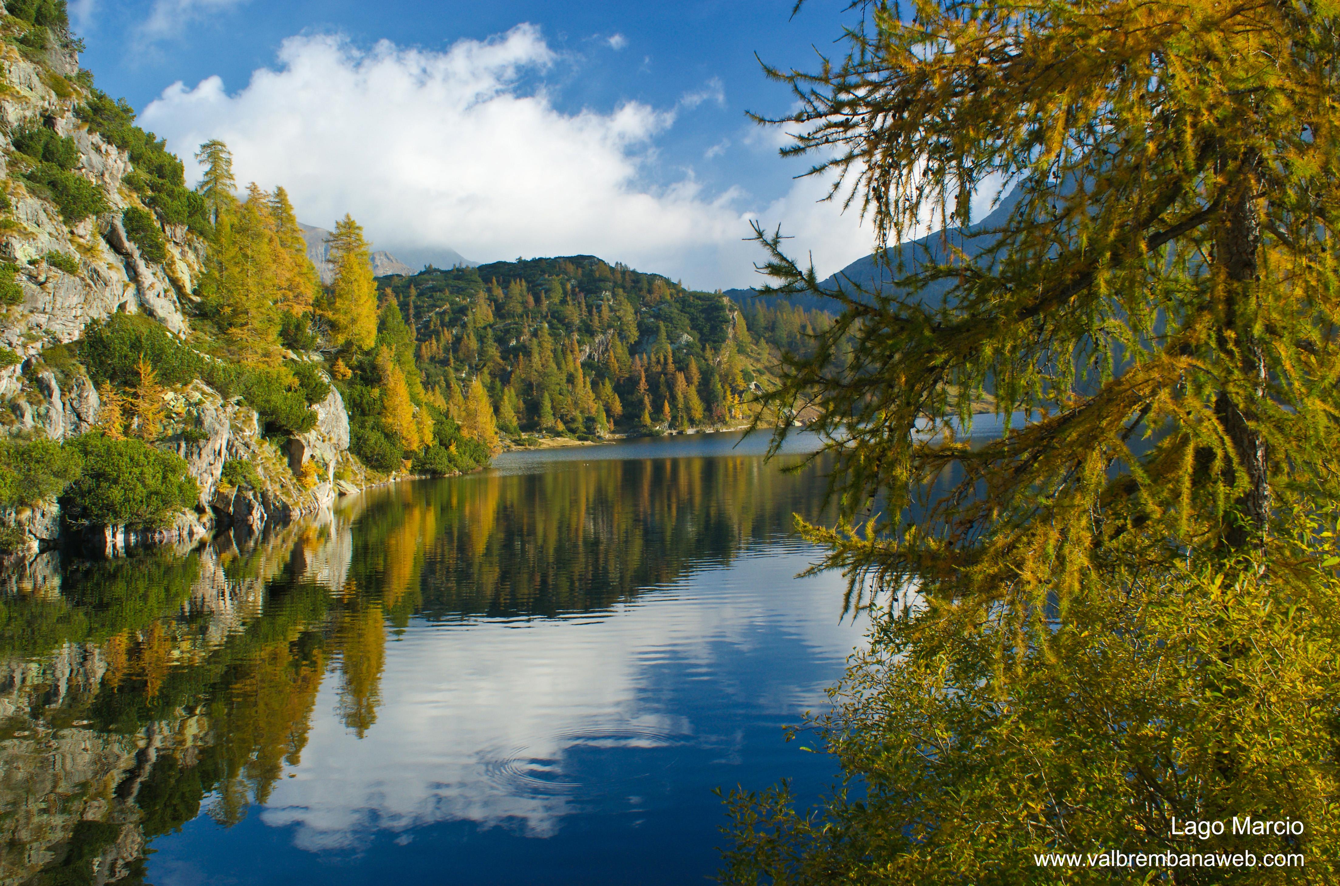 Valle brembana i colori autunnali dei laghetti alpini for Foto spettacolari per desktop